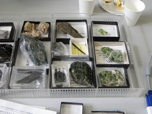 0116 4鉱物標本.jpg