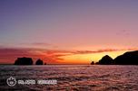 夕景の親子岩
